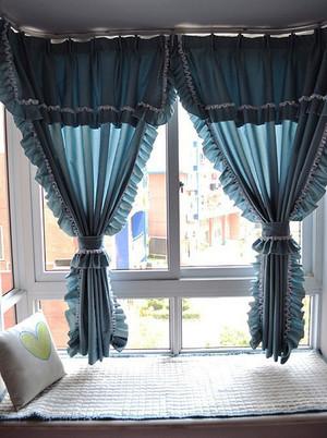 欧式风格精美飘窗窗帘设计装修效果图