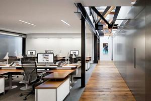 200平米现代风格loft办公室装修效果图