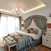 欧式风格别墅室内温馨浅色卧室装修效果图