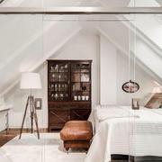 北欧风格简约别墅阁楼卧室装修效果图欣赏