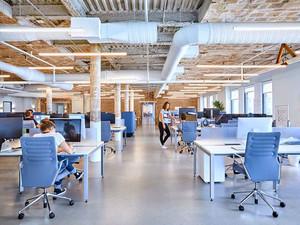 后现代工业风办公室吊顶设计装修效果图