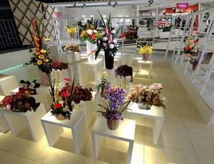 现代简约风格小型花店设计装修效果图