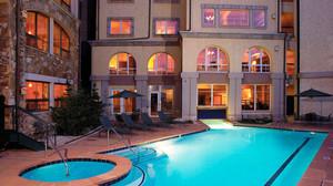 现代风格精致酒店游泳池装修效果图赏析