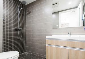 现代风格精致卫生间淋浴房装修效果图