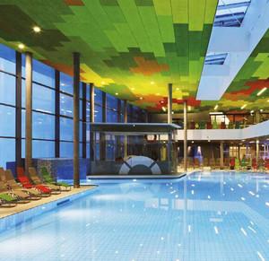 现代风格精致游泳馆设计装修效果图
