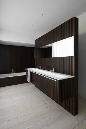 后现代风格大户型精致卫生间装修效果图