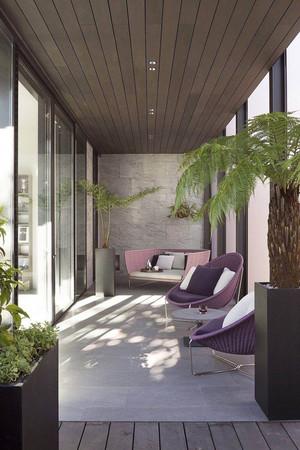 现代风格简约惬意阳台装修效果图