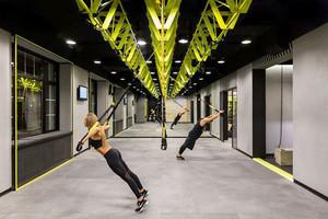 后现代工业风创意健身房装修效果图欣赏