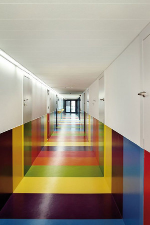 现代简约风格时尚创意幼儿园过道设计装修效果图