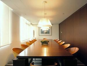 68平米现代风格会议室装修效果图