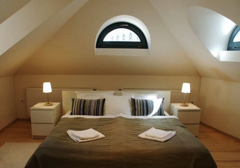 美式风格别墅精致阁楼卧室装修效果图赏析