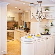 简欧风格小户型厨房吧台装修效果图欣赏