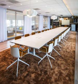 现代简约风格会议室装修效果图欣赏