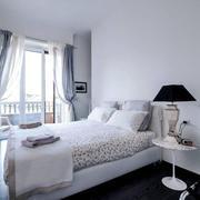 简约风格恬淡浅色温馨卧室装修效果图