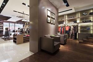 80平米现代风格精品服装店装修效果图欣赏