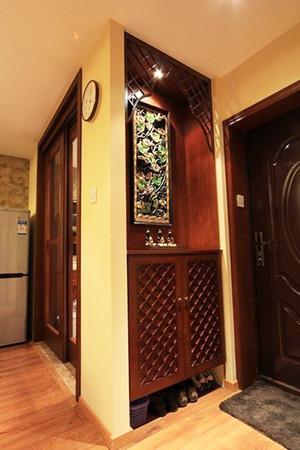 东南亚风格古朴两室两厅室内装修效果图案例