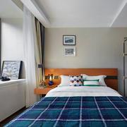 现代风格小户型卧室飘窗设计装修效果图