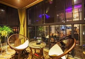 东南亚风格精致封闭式阳台装修效果图赏析