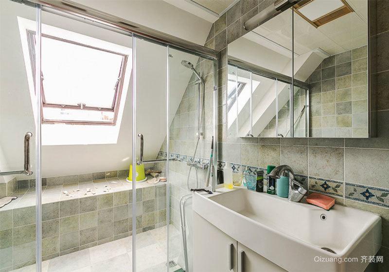 现代简约风格阁楼卫生间装修效果图赏析