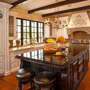 美式风格精致复古别墅厨房装修效果图赏析