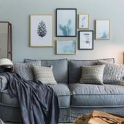 宜家风格浅色温馨客厅照片墙装修效果图