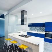 现代简约风格时尚精致开放式厨房吧台装修效果图