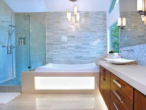 现代风格大户型简约卫生间淋浴房装修效果图