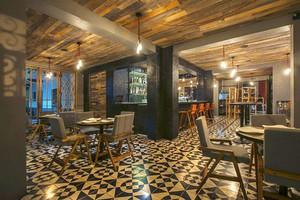 美式风格时尚复古西餐厅装修效果图
