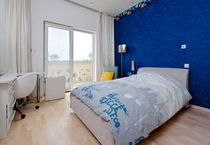 现代风格蓝色卧室背景墙装修效果图赏析