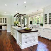 欧式风格别墅豪华厨房装修效果图赏析