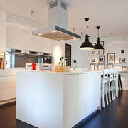 现代简约风格时尚开放式厨房吧台装修效果图