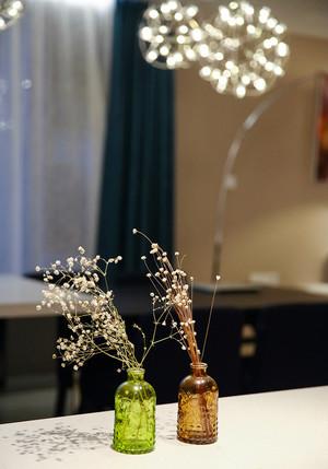 90平米现代简约风格浪漫时尚室内装修效果图