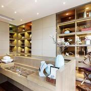中式风格精致独立式衣帽间装修效果图