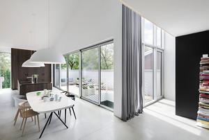 300平米现代风格简约轻松别墅装修效果图赏析