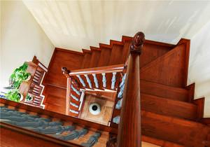 美式风格精致别墅楼梯设计装修效果图鉴赏
