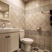 简欧风格浅色卫生间瓷砖装修效果图赏析