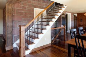 美式风格精致实木楼梯设计装修效果图
