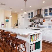 欧式风格精致别墅开放式厨房吧台装修效果图