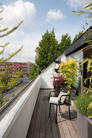现代风格休闲阳台装修效果图