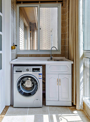 130平米简约美式风格精致三室两厅室内装修效果图