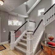 欧式风格精致白色别墅楼梯装修效果图赏析