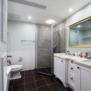 欧式风格白色精美卫生间淋浴房装修效果图