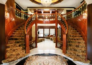 美式风格别墅室内精美楼梯设计装修效果图赏析