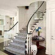 欧式风格精美别墅实木楼梯设计装修效果图赏析