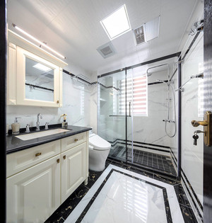 10平米简欧风格精致卫生间淋浴房装修效果图