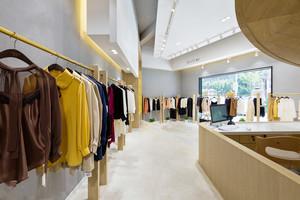 100平米现代风格精品服装店装修效果图