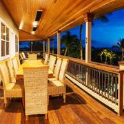 美式风格别墅精致阳台设计装修效果图