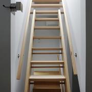 现代风格时尚创意楼梯设计装修效果图