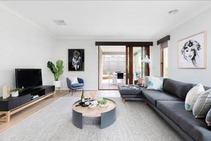 现代风格简约两居室型客厅装修效果图