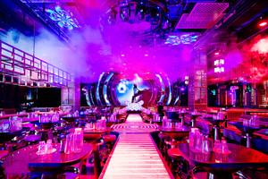 160平米现代风格音乐酒吧设计装修效果图